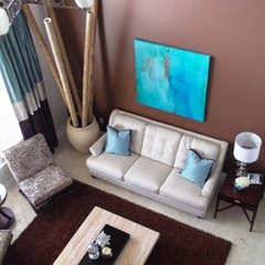 modern living room by Diana Rodriguez