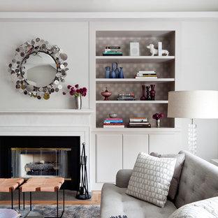 Idées déco pour un salon contemporain avec une cheminée standard.