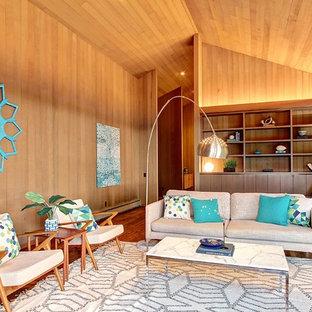 シアトルの大きいミッドセンチュリースタイルのおしゃれなリビング (フォーマル、茶色い壁、無垢フローリング) の写真