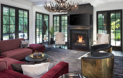 Houzz Tour: Glamorous Home Strikes a Bold Note in Black and White