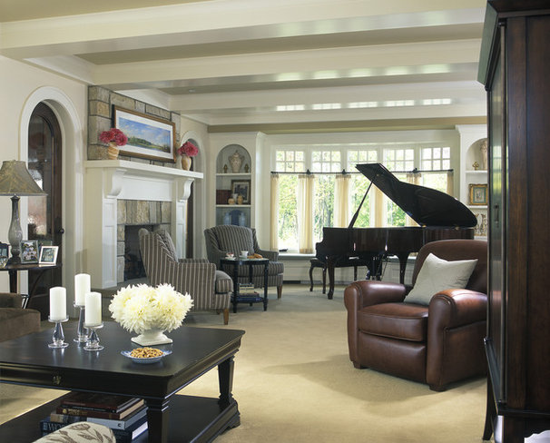 Traditional Living Room by Visbeen Architects