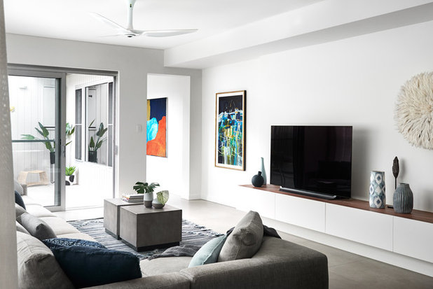 Contemporary Living Room by schemes & spaces