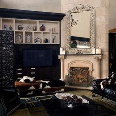 Traditional Living Room by Tartaruga Design inc.