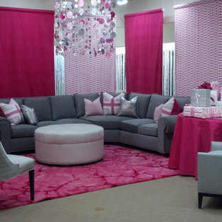 Large contemporary open plan living room in Detroit with grey walls, carpet and pink floors.