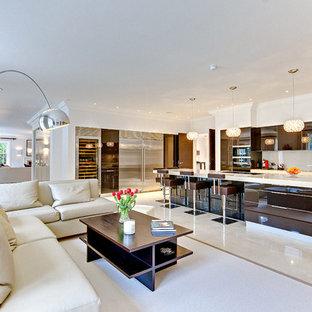 Diseño de salón abierto, contemporáneo, sin televisor, con paredes blancas