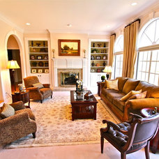 Traditional Living Room by Interior Makeovers by Annie OCallaghan