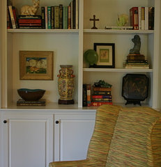 traditional living room by Mandi Smith T