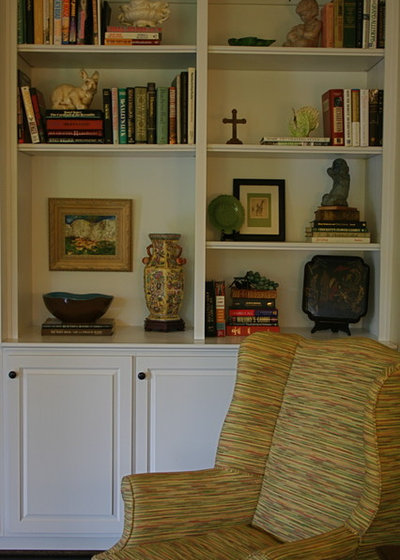 Traditional Living Room by Mandi Smith T Interiors
