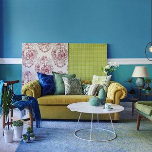 Ejemplo de salón cerrado, actual, de tamaño medio, con paredes azules, moqueta y suelo azul