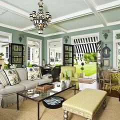 traditional living room by Buchanan Photography