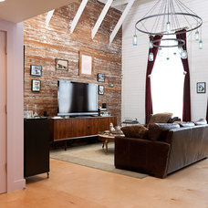 Eclectic Living Room by Architect Mason Kirby Inc.