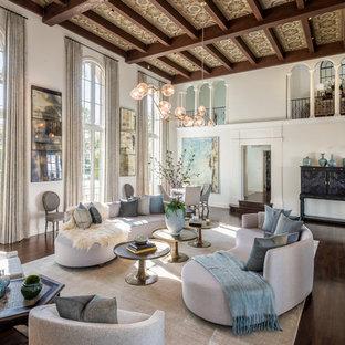 Idéer för medelhavsstil separata vardagsrum, med ett finrum, vita väggar, mörkt trägolv och brunt golv