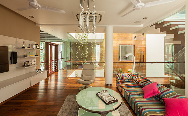 Contemporary Living Room by Kumar Moorthy & Associates
