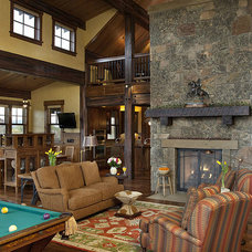 Rustic Living Room by Design Associates Architects