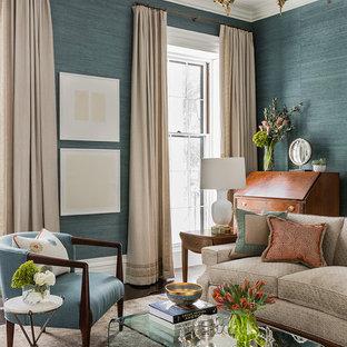 Immagine di un grande soggiorno classico chiuso con pareti blu, sala formale e parquet scuro