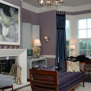 Ispirazione per un soggiorno vittoriano con pareti viola e camino classico