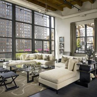 Idee per un ampio soggiorno industriale con pareti bianche