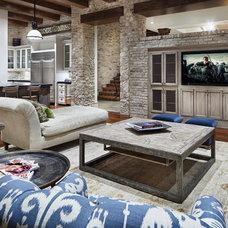 Rustic Living Room JAUREGUI Architecture