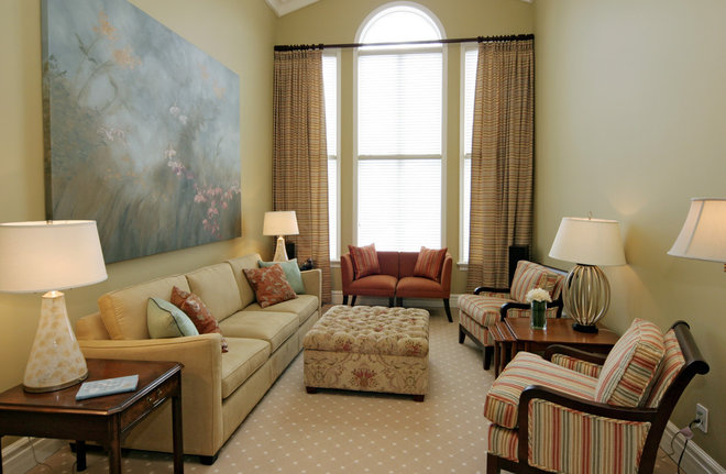 Traditional Living Room by Jennifer Brouwer (Jennifer Brouwer Design Inc)