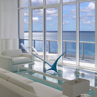 Minimalist living room photo in Miami with white walls