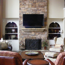 Traditional Living Room by Jennifer Reynolds - Jennifer Reynolds Interiors