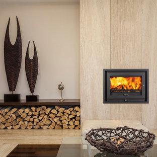 Ejemplo de salón contemporáneo, pequeño, con estufa de leña
