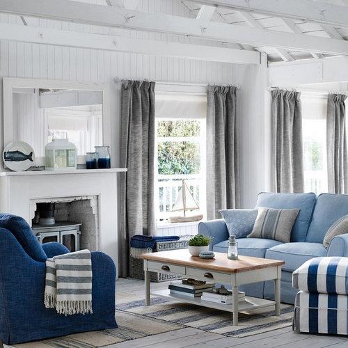 Coastal living room design ideas renovations photos for Hamptons living room designs