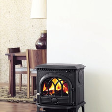 Traditional Living Room by Home and Hearth Outfitters
