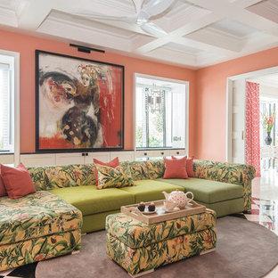 Imagen de salón de estilo zen con parades naranjas y suelo multicolor