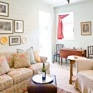 Inspiration for a small shabby-chic style living room remodel in Charleston