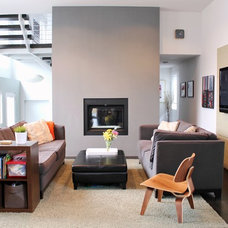 Modern Living Room by Relevant Homes