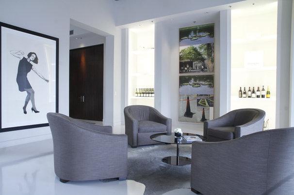 Modern Living Room by Esther Hershcovich