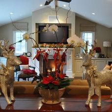 Traditional Living Room Junior League Holiday Home Tour