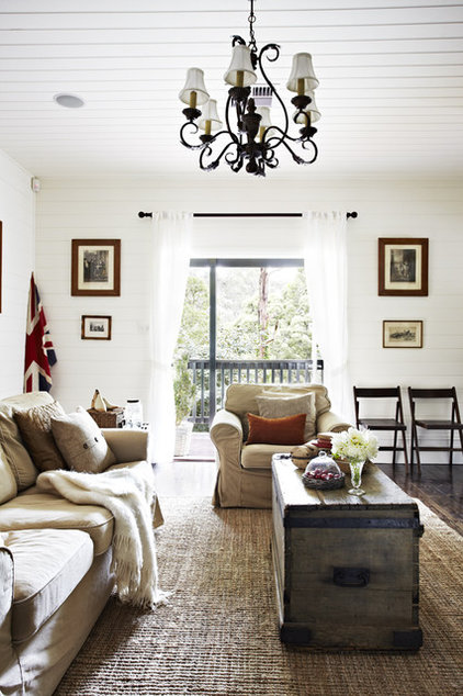 Traditional Living Room by Justin Bishop