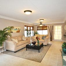 Tropical Living Room by Home Shoppe Hawaii LLC - OAHU REAL ESTATE