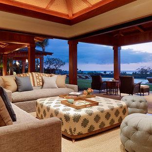 Ispirazione per un soggiorno tropicale aperto con nessuna TV