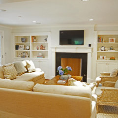 traditional living room by Kara Weik
