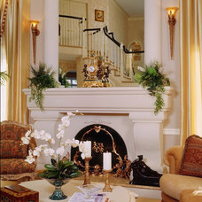 Traditional Living Room by KARLA TRINCANELLO-CID - INTERIOR DECISIONS, INC.