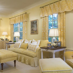 traditional living room by Kingsley Belcher Knauss, ASID