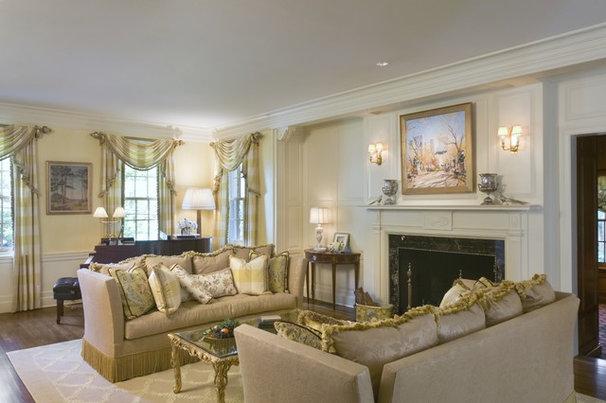 Traditional Living Room by Kingsley Belcher Knauss, ASID