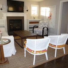 Beach Style Living Room by kelley gardner