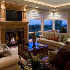 Traditional Living Room by Kaufman Homes, Inc.