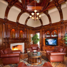 Traditional Living Room by Dallas Design Group, Interiors