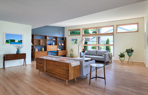 Midcentury Living Room by Balodemas Architects