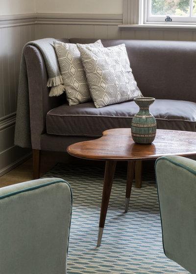Midcentury Living Room by L Works Ltd