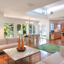 Contemporary Living Room by d+e=design+environment