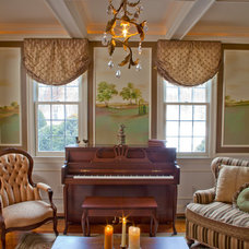 Traditional Living Room by KH Window Fashions, Inc.