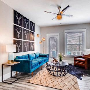 Ispirazione per un soggiorno chic con pavimento in bambù e pavimento grigio