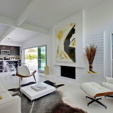 Midcentury Living Room by House & Homes Palm Springs Home Staging