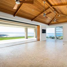 Modern Living Room by David M. Sanders, Architect